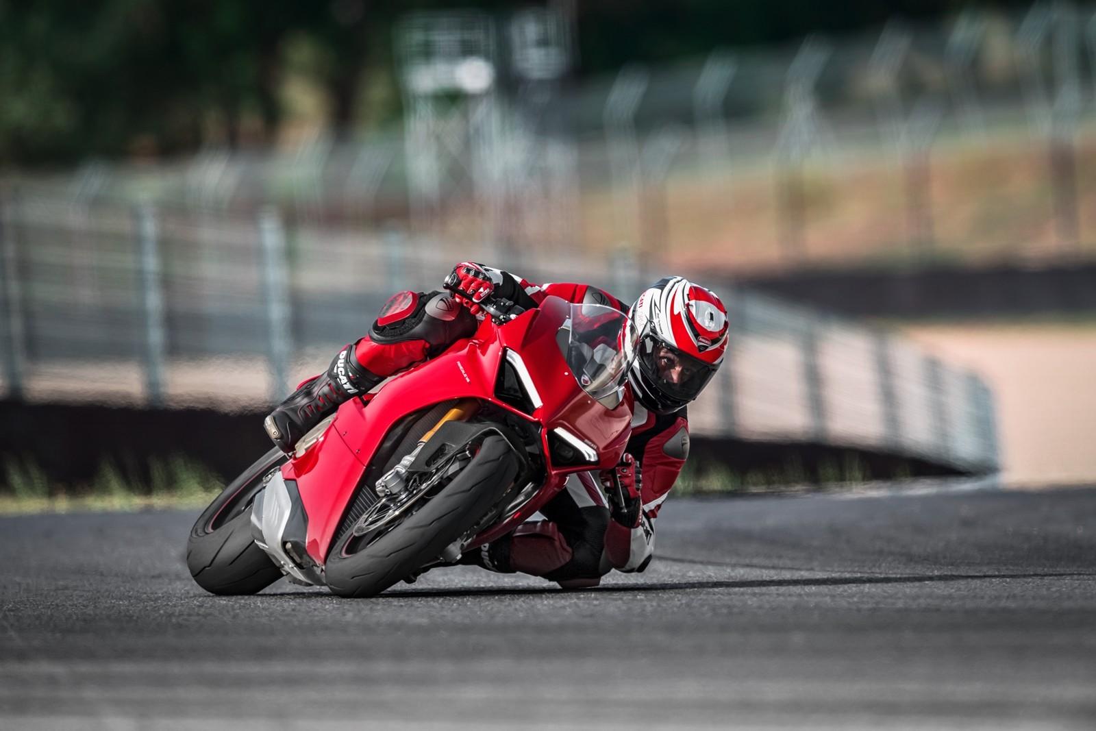 Foto de Ducati Panigale V4 2018 (41/52)