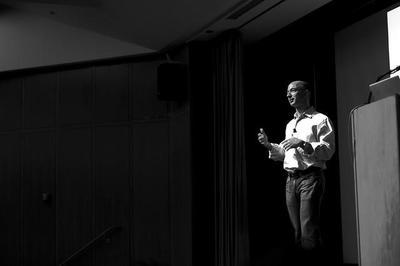 Jeff Bezos y su relación con los inversores de Amazon