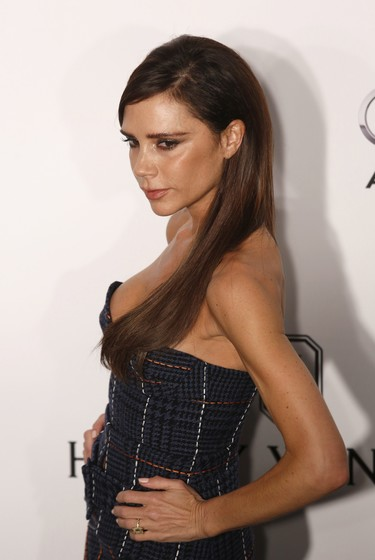 El steal the show de Victoria Beckham en la gala AmfAR de Hong Kong (y los looks de todas las celebrities)