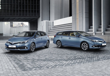 El Toyota Auris rejuvenece para el Salón de Ginebra