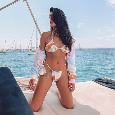 Cambiar de bikini sin gastar dinero: las chicas de moda nos muestran la tendencia más viral del verano 2021, el bikini invertido