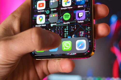WhatsApp limitará las funciones de la app si no aceptamos sus nuevas condiciones: qué está pasando y cómo nos afecta