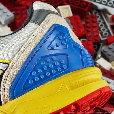 Lego Y Adidas Originals Colaboran En La Mas Divertida Y Colorida Zapatilla Que Querras Lucir En Otono 3