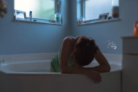 Impresionantes fotografías de un parto en casa y en el agua