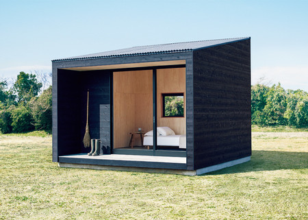 Amantes de la minicasas, os presentamos Muji Hut, la casa prefabricada de Muji