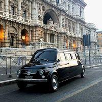 Una limusina Fiat 500 es el cruce perfecto entre un Cinque Giardiniera y un 500 F