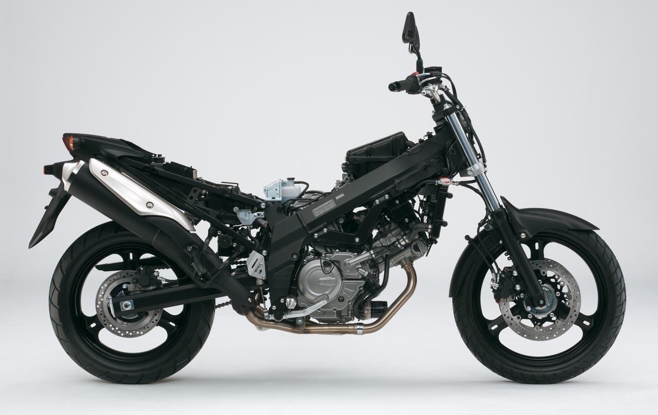 Foto de Suzuki V-Strom 650 2012, fotos de detalles y estudio (41/50)