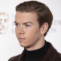 Will Poulter se enfunda en Prada para dar a conocer a los nominados de los BAFTA