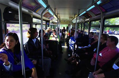 Mismos derechos para los pasajeros de barco y autobús que para los de avión