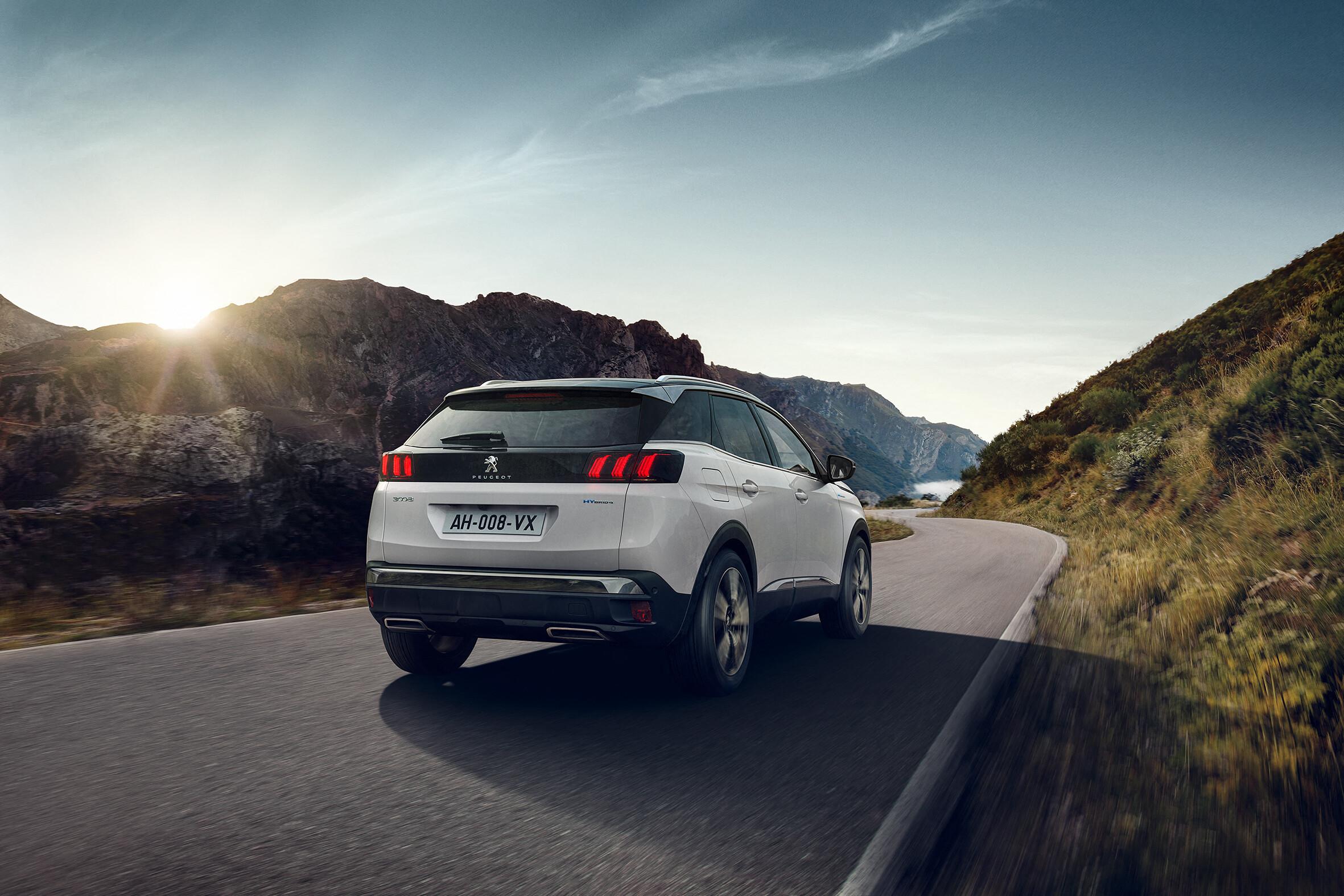 Foto de Peugeot 3008 Hybrid 300 2020 (1/6)