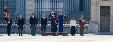 La Reina Doña Letizia inaugura el 2020 con un sobrio vestido azul klein durante la Pascua Militar