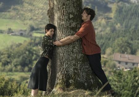 'El árbol de la sangre': Medem vuelve a sus orígenes con una historia de amor que funciona solo a ratos