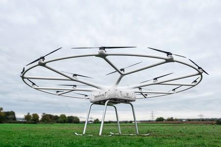 VoloDrone es un impresionante drone con 18 rotores y 9 metros de diámetro capaz de transportar 200 kg
