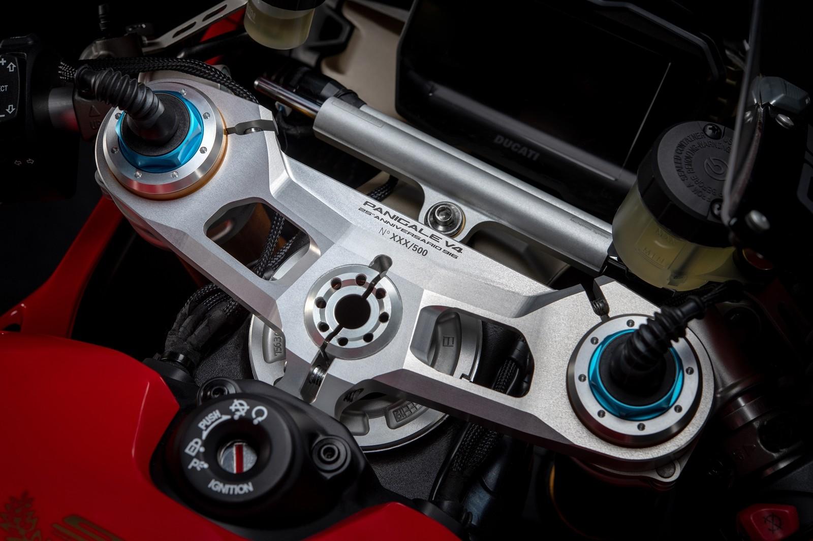 Foto de Ducati Panigale V4 25° Anniversario 916 (24/73)