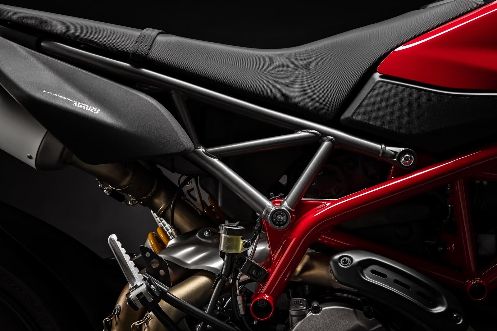 Foto de Ducati Hypermotard 950 2019 (70/76)