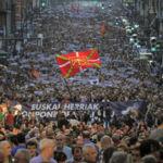 Por qué los nacionalistas vascos no han parado de perder votos y siguen ganando las elecciones