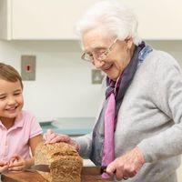 ¿Quieren más los nietos a las abuelas maternas?