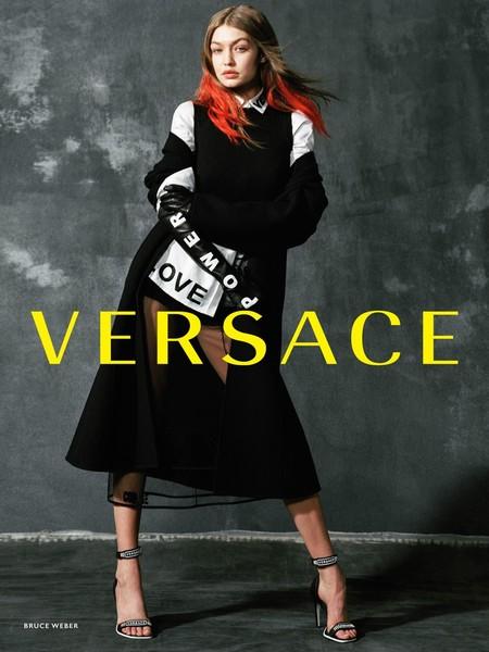 Gigi Hadid Versace Fall Winter 2017 Campaign05