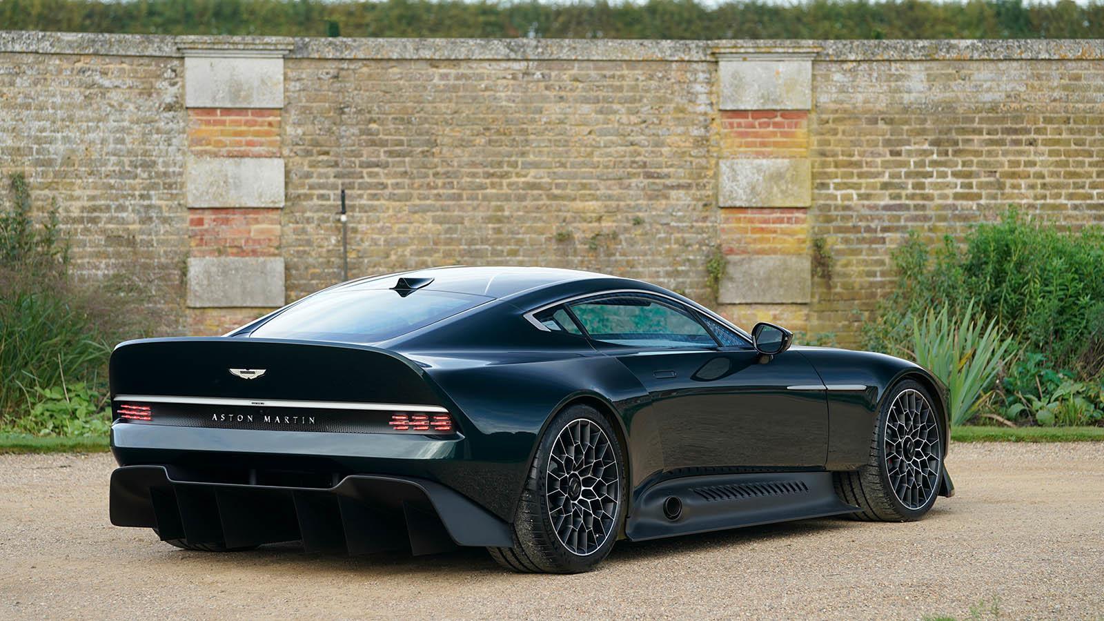 Foto de Aston Martin Victor (7/14)