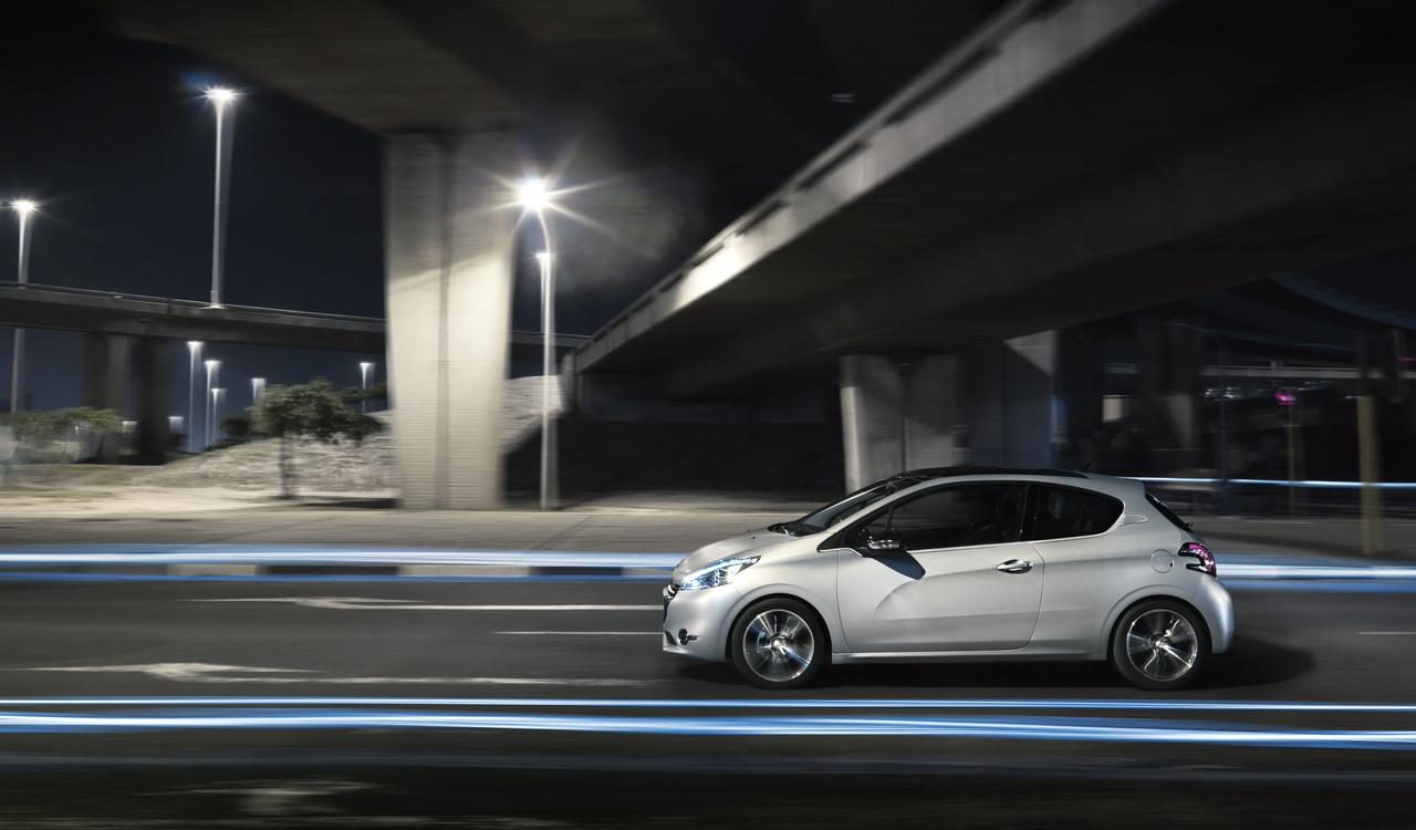 Foto de Peugeot 208 (16/54)