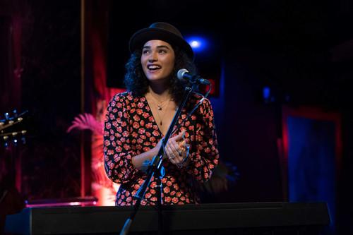 'Little Voice': un amable cuento de Apple TV+ que demuestra un amor incondicional por la música