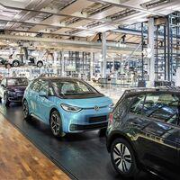 Volkswagen podría despedir a 30.000 trabajadores si no se acelera la transición hacia el coche eléctrico, según su CEO
