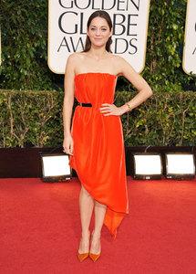 Marion Cotillard de Dior Couture en Globos de Oro 2013, el triunfo del color coral