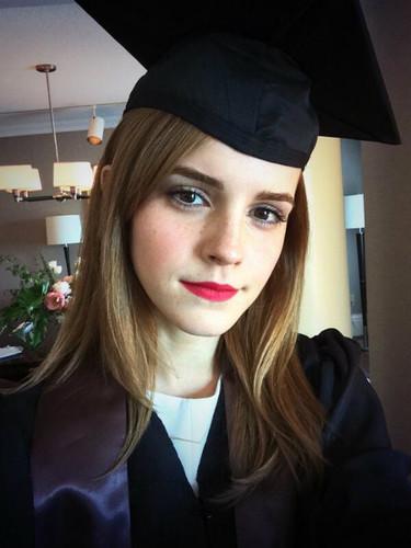 Nuestra Emma Watson ya es toda una graduada