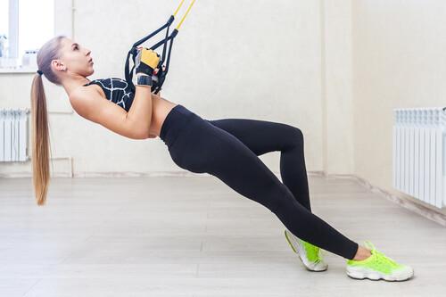 Entrenamiento rápido en casa para trabajar tu espalda en 30 minutos