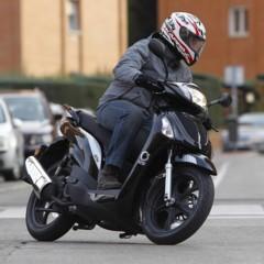 Foto 23 de 53 de la galería mx-motor-c5-125-primer-scooter-de-rueda-alta-de-la-marca-espanola en Motorpasion Moto