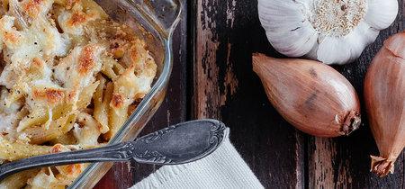 Pasta gratinada con pollo. Receta de aprovechamiento