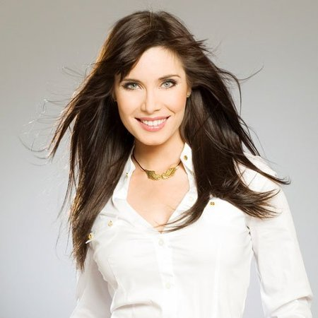A Pilar Rubio le dan otro programa en Telecinco, ya está hasta en la sopa
