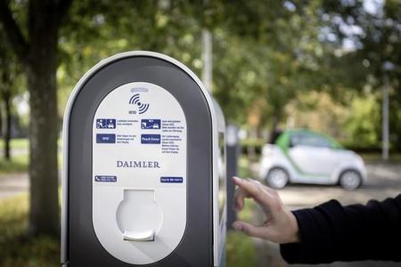Daimler pone 260 vehículos eléctricos a disposición de sus empleados