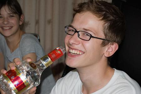 """Aumenta el consumo de alcohol entre adolescentes, con una tendencia a generalizar los """"atracones"""" de bebidas alcohólicas"""