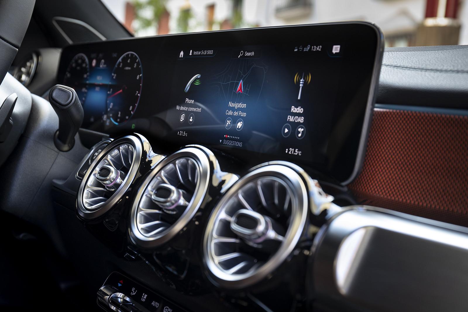 Foto de Mercedes-Benz GLB 250 4MATIC (lanzamiento) (29/39)