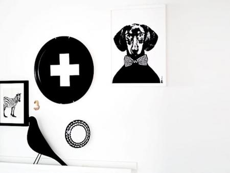 Cruces en blanco y negro, un estampado muy de moda