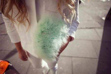 Los bolsos faux fur, la nueva locura del otoño