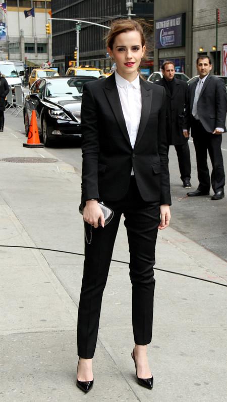 Emma Watson traje Saint Laurent