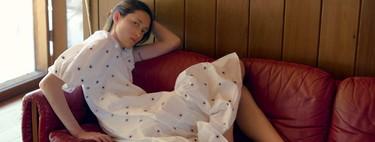 Zara tiene los 15 vestidos blancos más bonitos que protagonizarán tus mejores looks del verano