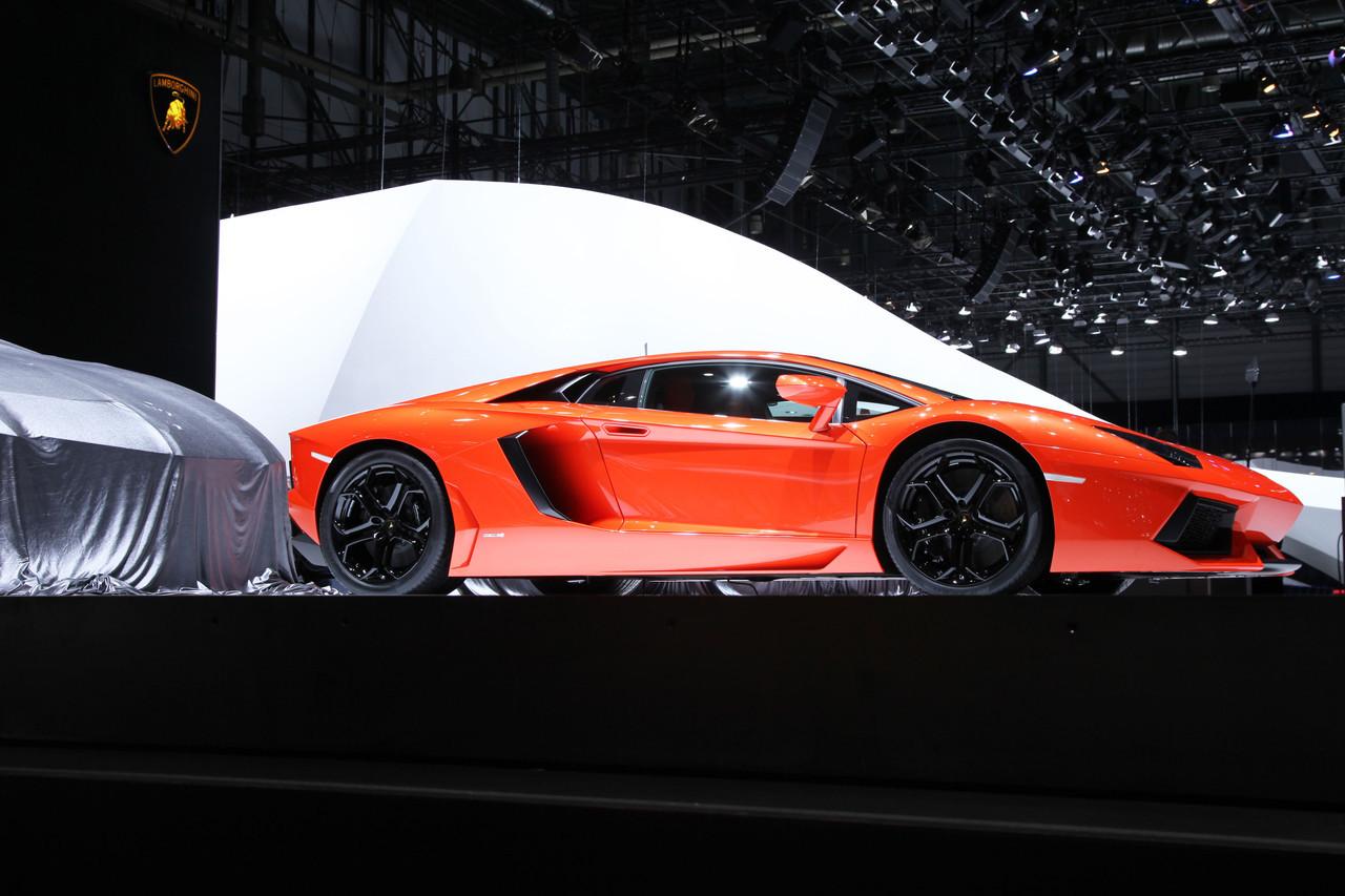 Foto de Lamborghini Aventador LP700-4 (35/62)