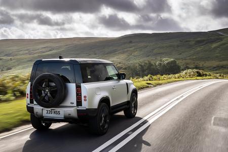 Land Rover Defender diesel mild hybrid
