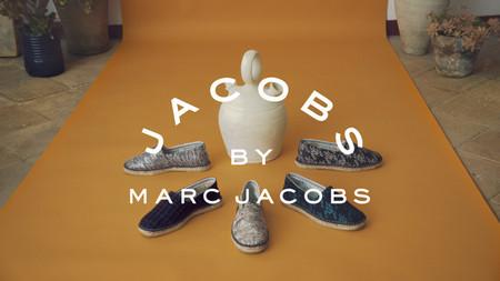 Marc Jacobs se une a una marca española para lanzar una edición limitada de alpargatas