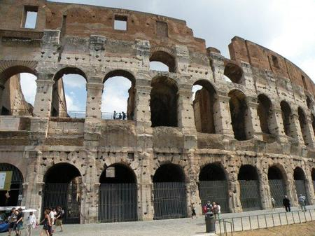 Roma: el Coliseo arderá... de manera virtual