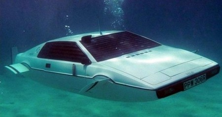 Lotus-Esprit-Submersible-1.j