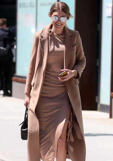 Gigi Hadid demuestra que se puede vestir de color nude y estar perfecta