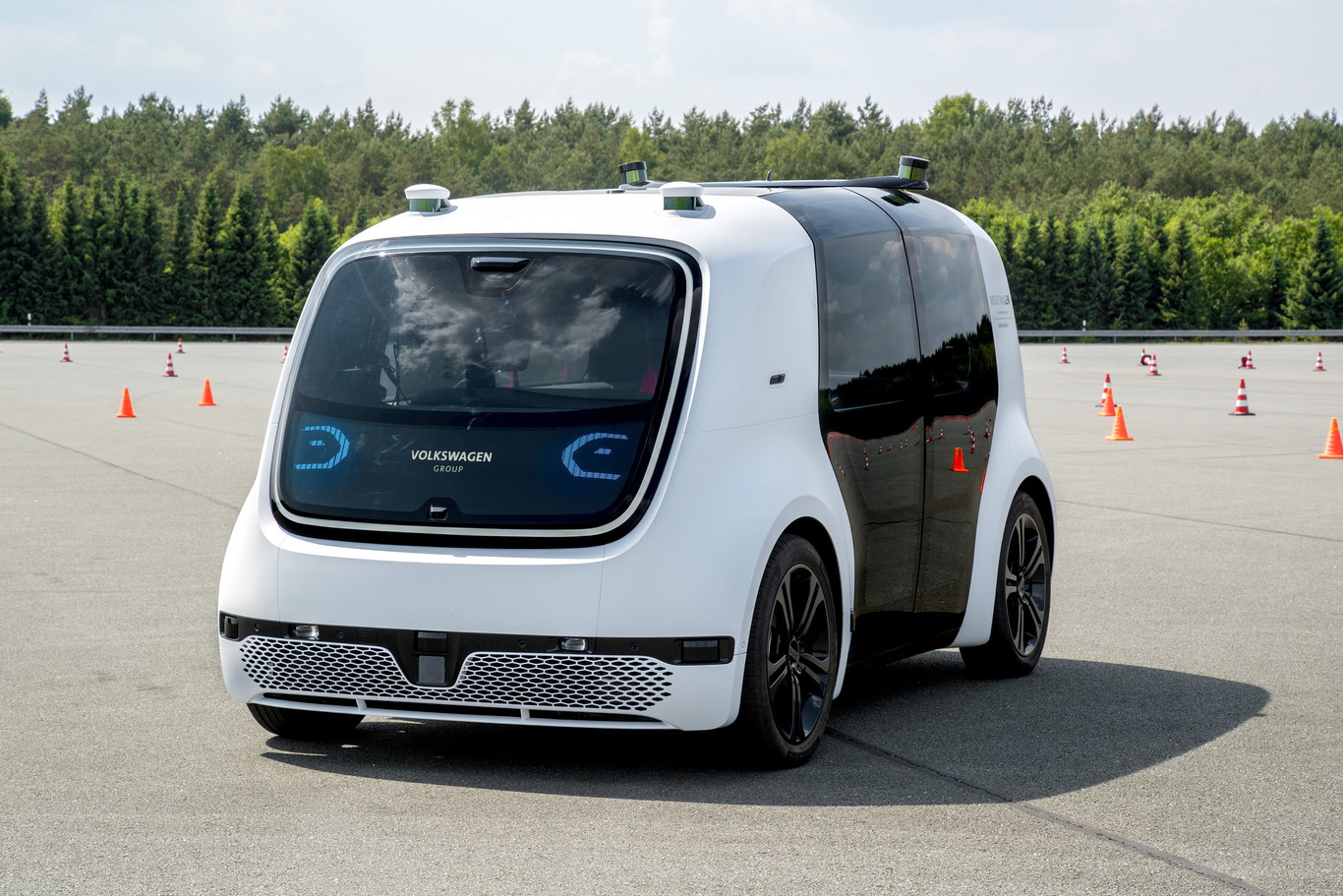 Probamos el Volkswagen SEDRIC, el coche autónomo de nivel 5 que promete ser tu taxi del futuro