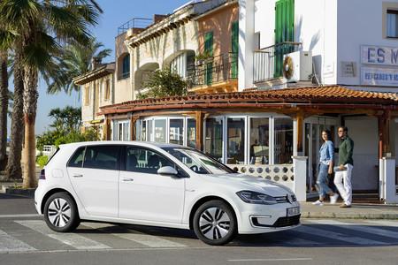 Volkswagen E Golf en Comparativa Seat Leon vs Volkswagen Golf