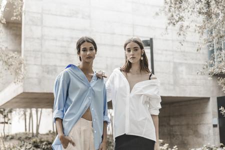 Laagam nace en España para reivindicar la importancia de tener una blusa básica, con rollo y de calidad en nuestro armario