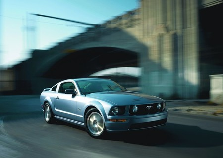 Ford Mustang Gt 2005 1024 02