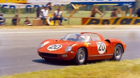 Ferrari 275 P 1964 podría romper récord en subasta